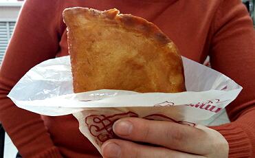 """Защитные полиэтиленовые уголки для пирожков, чебуреков, булочек """"Приятного аппетита"""""""